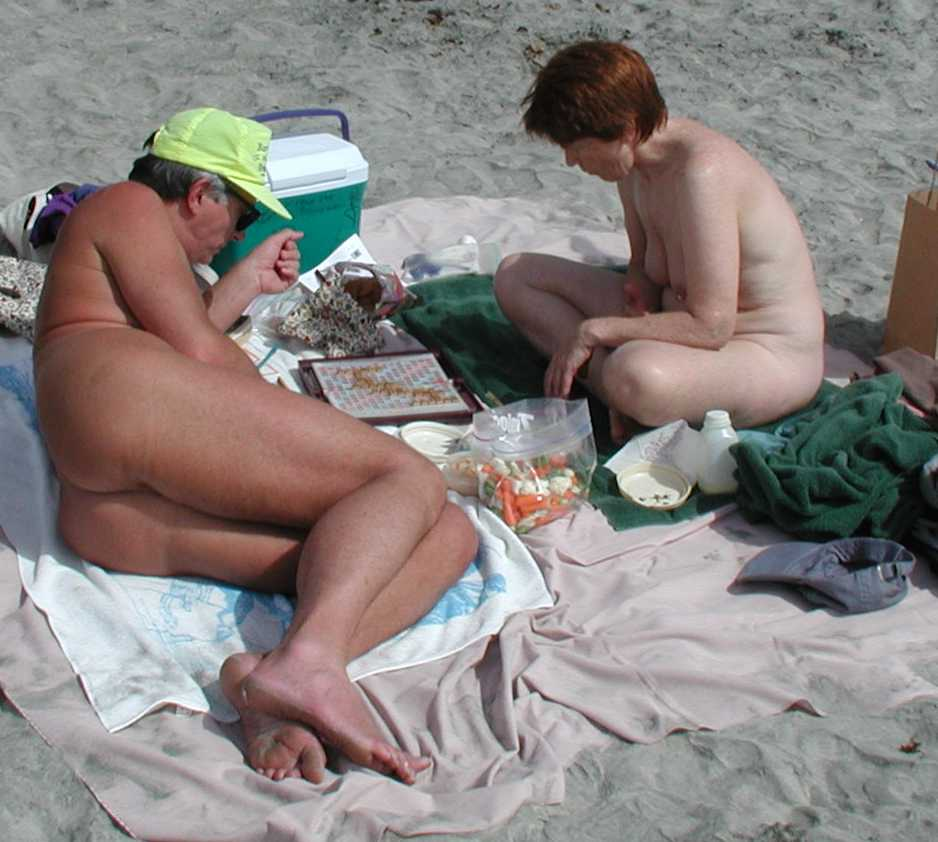 'Frisky sun worshipers are flocking to have sex on the beach in Provincetown ...